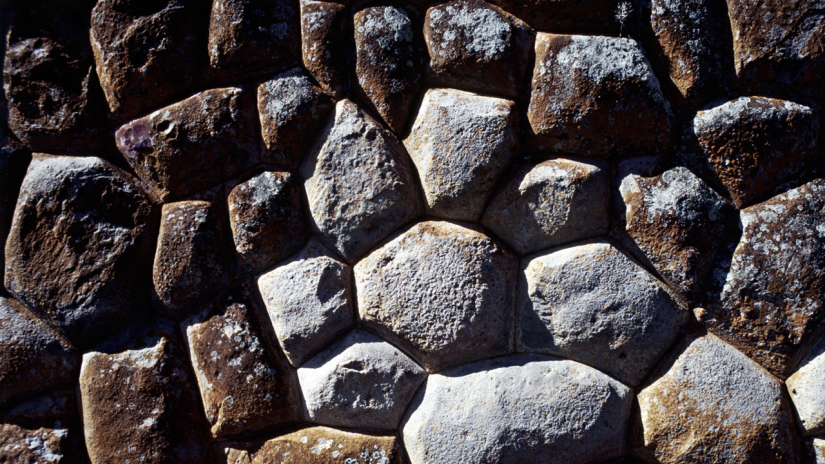 Detail of a terrace wall at Tarahuasi, west of Cuzco, composed of stones fitted in the polygonal style. Adriana von Hagen.
